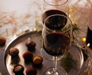 red wine and chocolate truffels